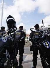 CPRaio da PMCE captura suspeito com duas armas de fogo após denúncia