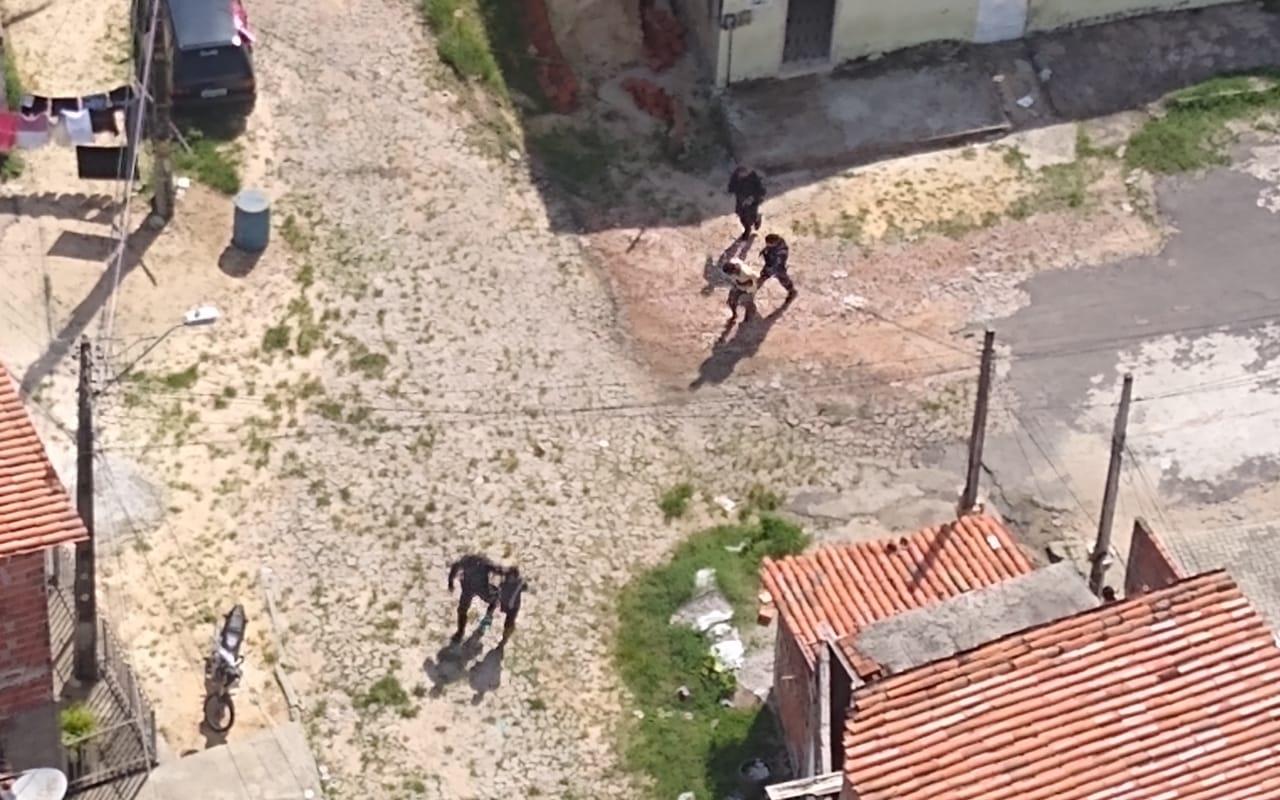 Em ação da PMCE e Ciopaer, trio armado é preso após roubo em Fortaleza