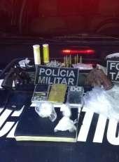 Dupla é presa com armas e drogas em Fortaleza