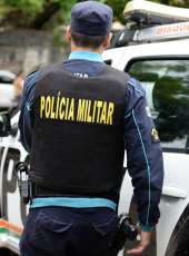 Ação da PMCE resulta em prisão de mulher e apreensão de cocaína e crack na Capital