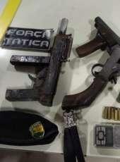 Ação da PMCE resulta na captura de dupla, três armas de fogo artesanais e drogas