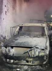 Corpo de Bombeiros debela incêndio a caminhão em Uruburetama